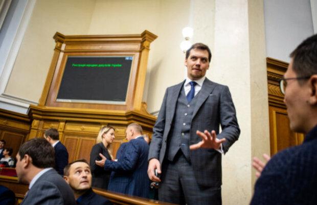 Зеленскому придется менять Кабмин: названы три кандидата на кресло Гончарука