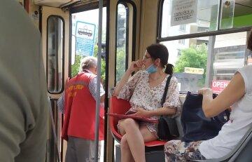 """У кабіні + 47"": водій трамвая знепритомніла прямо під час руху"
