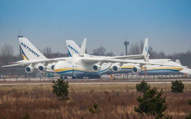 Культовый завод Антонова похвастался сразу всеми самолетами