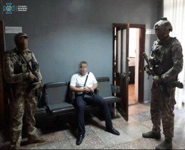 """Бойовики """"ДНР"""" отримували виплати з українського бюджету: розкрито схему"""
