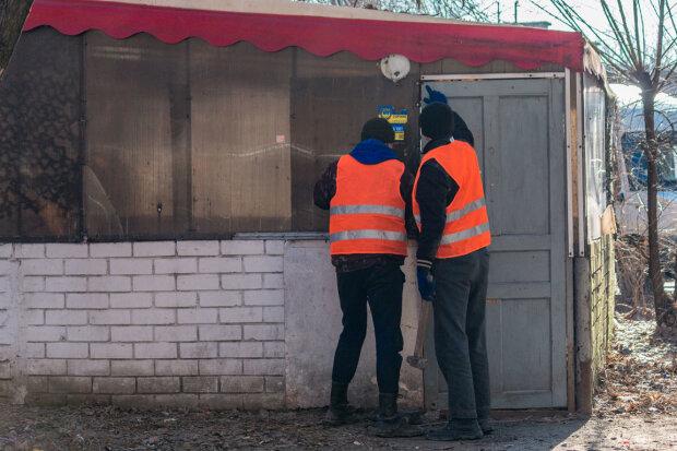 """""""Даже охрану прихватили"""": коммунальщики устроили беспредел в Днепре, фото"""
