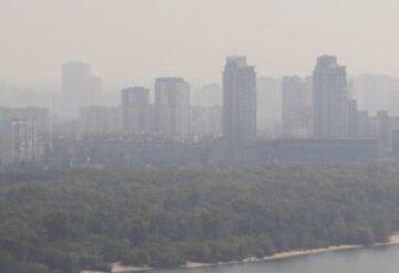 """У Києві знову високий рівень забруднення повітря: де небезпечно дихати, """"перевищує норму в 7 разів"""""""