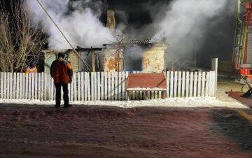 """""""У будинку були дружина і троє дітей"""": багатодітна сім'я на Львівщині залишилася без даху над головою, кадри НП"""