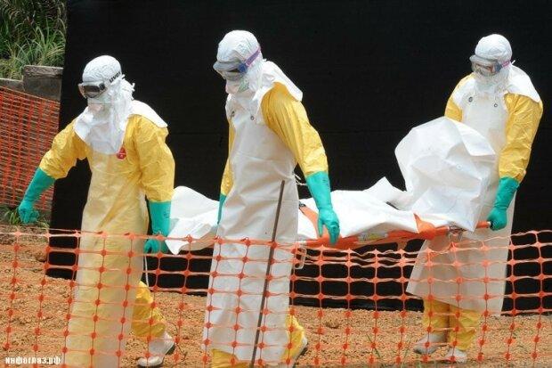 1404862007_ebola2