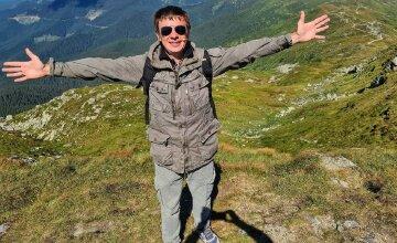 """Комаров из """"Світ навиворіт"""" сообщил о радостном событии в семье и показал двойняшек: """"Мечта сбылась!"""""""