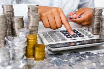 Зарплати рекордно виростуть, але частина українців втратить роботу: що підготувала влада