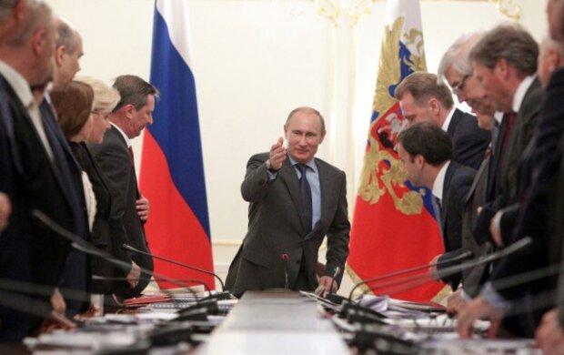 """Путин поставил задачу по Украине для избавления от санкций Запада: """"Можем даже выпустить..."""""""