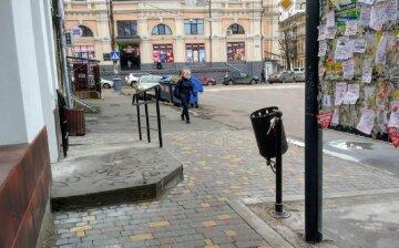 Одесситам показали, как в центре города издеваются над пешеходами: красноречивые кадры