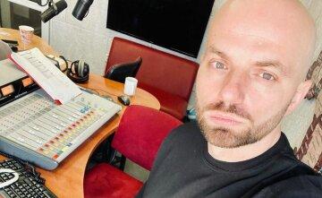 """Ведущий """"Голосу країни"""" Демин заинтриговал появлением с экс-звездой """"Орла и решки"""" Птушкиным: """"А я знаю..."""""""