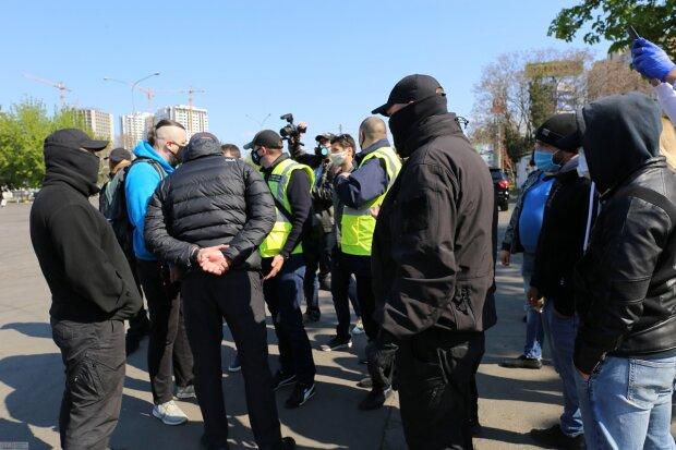 Одесситы подняли бунт в Одессе, движение парализовано: видео