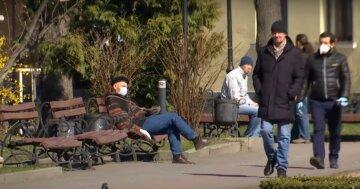 карантин маски люди улица