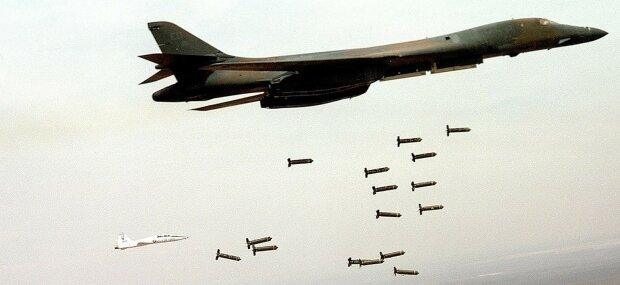 самолет сша бомбы