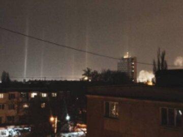 """""""Світіння з космосу"""": під Одесою жителі спостерігали унікальне явище, кадри розлетілися по мережі"""