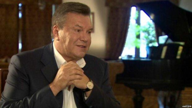 Возвращения Януковича в Межигорье ждет герой интернета (фото)