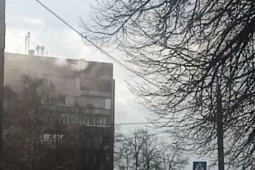У Харкові вогонь охопив дев'ятиповерхівку, людей терміново евакуювали: кадри НП