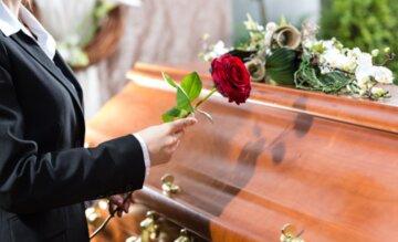 траур цветы гроб кладбище