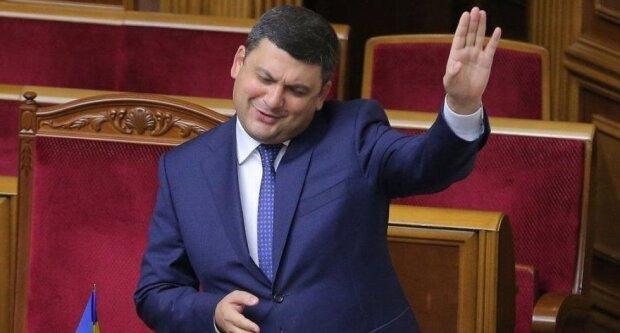 Влада хоче обібрати головного інвестора країни: хто з українців залишиться без грошей