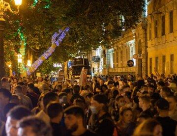 """Толпы людей вышли на улицы Одессы, видео масштабного протеста: """"Завтра они запретят..."""""""