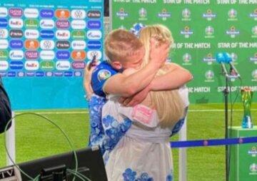 """Зинченко растрогал видео с беременной женой после матча со Швецией:  """"Я всегда с тобой"""""""