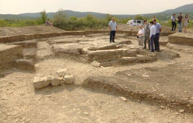 Археологи обнаружили загадочное захоронение в Украине: «необычное для того времени»