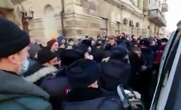 Стычки в -50, стрельба на улицах и аресты: что творится на протестах за Навального в России, кадры