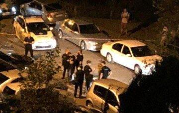Мощный взрыв прогремел в Киеве, съехались силовики: кадры ЧП