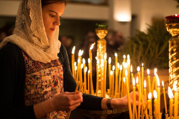 Скасування Великодня, посилення карантину в Україні і обвал долара — головне за ніч