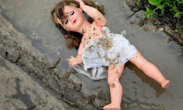кукла, изнасилование