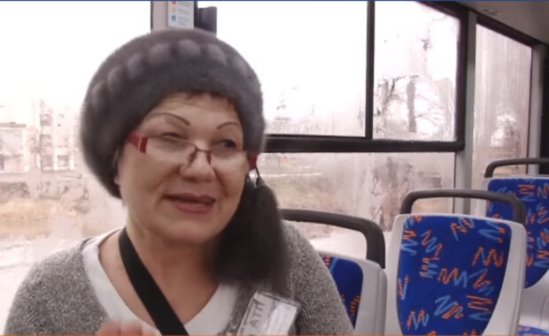 """""""С таких надо брать пример"""": кондуктор из-под Днепра прославилась на весь интернет, видео"""