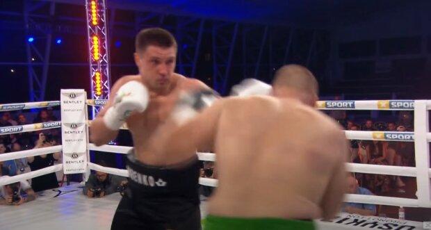 """Сіренко нокаутом """"поклав"""" суперника, відео: """"14-та поспіль перемога"""""""