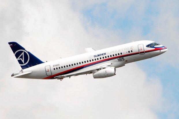 Самолет российский пассажирский