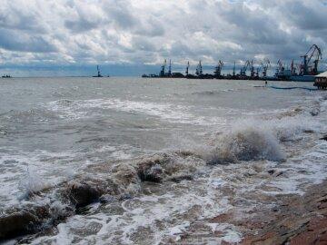 """Трупами усеян берег Азовского моря, очевидцы напуганы: """"Так развлекаются нелюди..."""""""