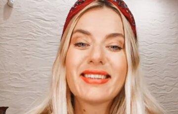 """Жена продюсера Сердючки, KAZKA и Билык похвасталась своими формами в купальнике: """"Девочка-фея"""""""