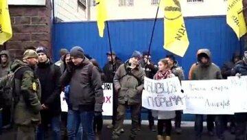 Адвокат Януковича назвал преступлением действия украинской полиции