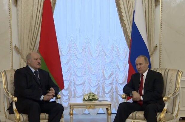 """Взбешенный """"майданом"""" Лукашенко срочно связался с Путиным: """"Этого не будет точно"""""""