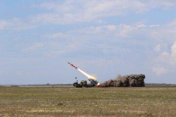 Ракеты запустили в Одесской области: кадры огненного удара слили в сеть
