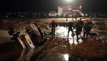 Курорт накрыла разрушительная стихия, тела вылавливают из воды: фото и видео