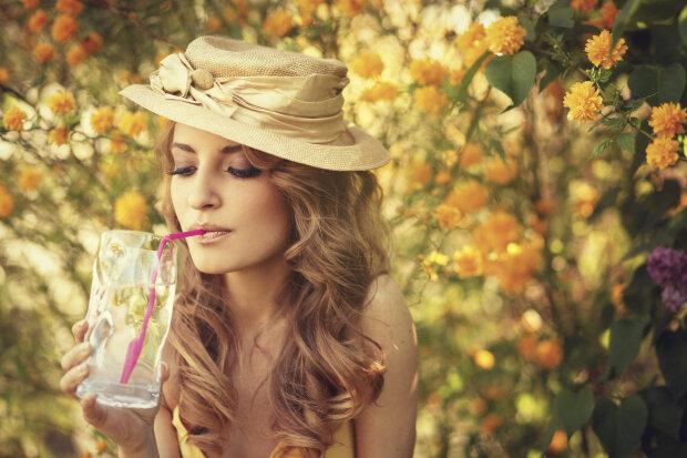 погода в сентябре, девушка, цветы, релакс, отдых, напиток