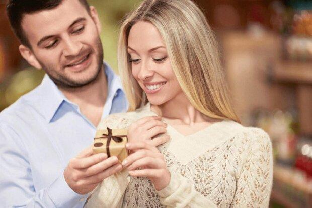 Льняне весілля, 4-а річниця: святкування, вітання, подарунки