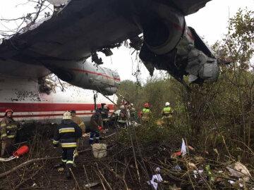 Катастрофа Ан-12 под Львовом: местные жители сообщили таинственные детали ЧП, «двигатели самолета уже…»