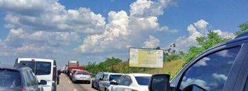 """""""Опинилися в полоні"""": на трасі Київ-Одеса перекрили рух, відео подій"""