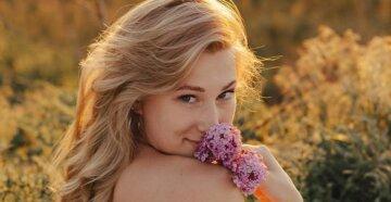 """Блондинка из """"Женского квартала"""" в малиновом мини-бикини пошалила у моря: """"Вах, красота"""""""