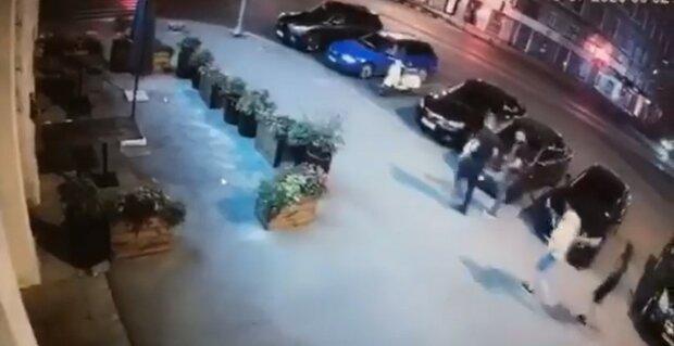 """Полиция Харькова ищет подозреваемого в расстреле посетителей ночного клуба: """"Был с женщиной"""""""