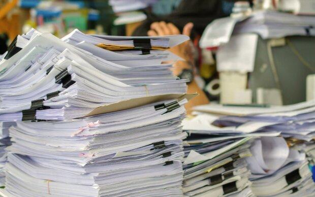 кипа паперів
