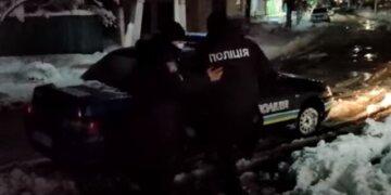 Неадекват открыл стрельбу посреди улицы, есть пострадавший: подробности из Одесской области