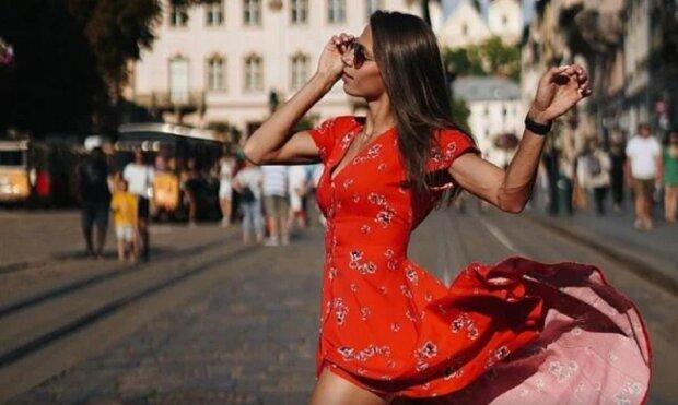"""Настоящая чемпионка: фигуристая Бех-Романчук выставила напоказ свои """"булочки"""" и похвасталась результатом"""