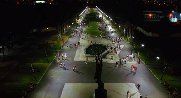 Это уже второй Париж: харьковчан порадовали обновленным парком Победы, видео с высоты