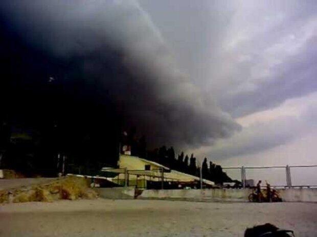 Стихія насувається на Одесу, погода різко зіпсується: до чого готуватися 12 серпня