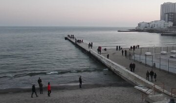 На пляже в Одессе жестоко расправились с мужчиной: кадры и подробности трагедии