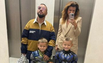 Дмитрий Монатик с женой и детьми